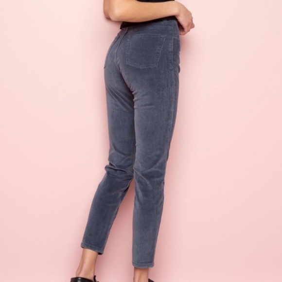 🌙 Brandy Melville high rise skinny corduroy pant